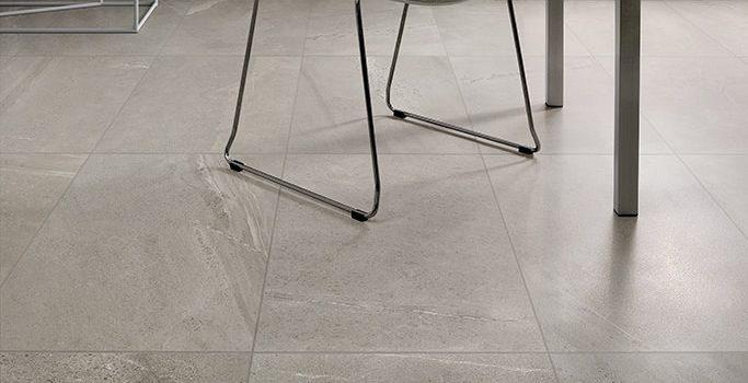 Ceramiche-Coem_Brit-Stone_Grey-45x90_pavimenti-in-ceramica-lucida