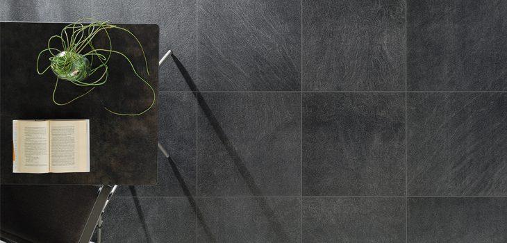 Pavimenti-per-outdoor-effetto-pietra_Ceramiche-Coem_Pietra-Sabbiosa_Grafite-60x60