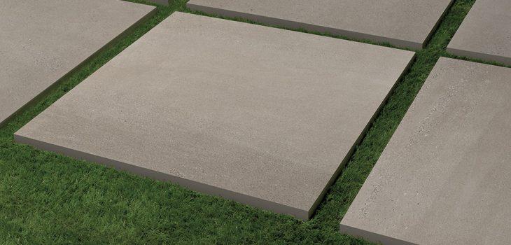 Piastrelle-per-esterni_spessore-2-cm_Ceramiche-Coem_Arenaria_Grigio-Caldo-75x75