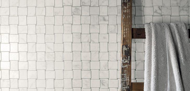 Rivestimenti-mosaico_Ceramiche-Coem_Marmi-Bianchi_Carrara-Intreccio1