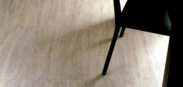 Paistrelle-per-interni-Pavimento-effetto-pietra_Ceramiche_Coem_Travertino_Romano-al-Verso