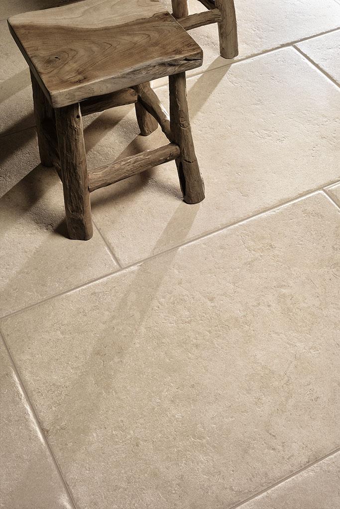 Ceramiche-Coem_Goldenstone_Ivory-604x906_piastrelle-da-esterno-1