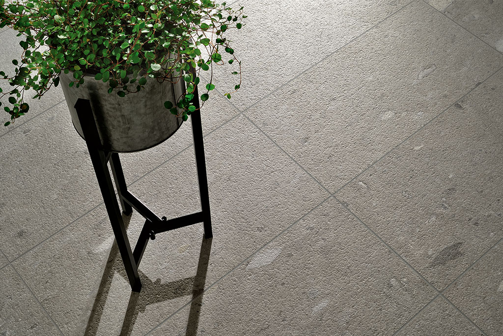 Ceramiche-Coem_Moon_Stone_Dark-Grey-30x60_piastrelle-per-esterno