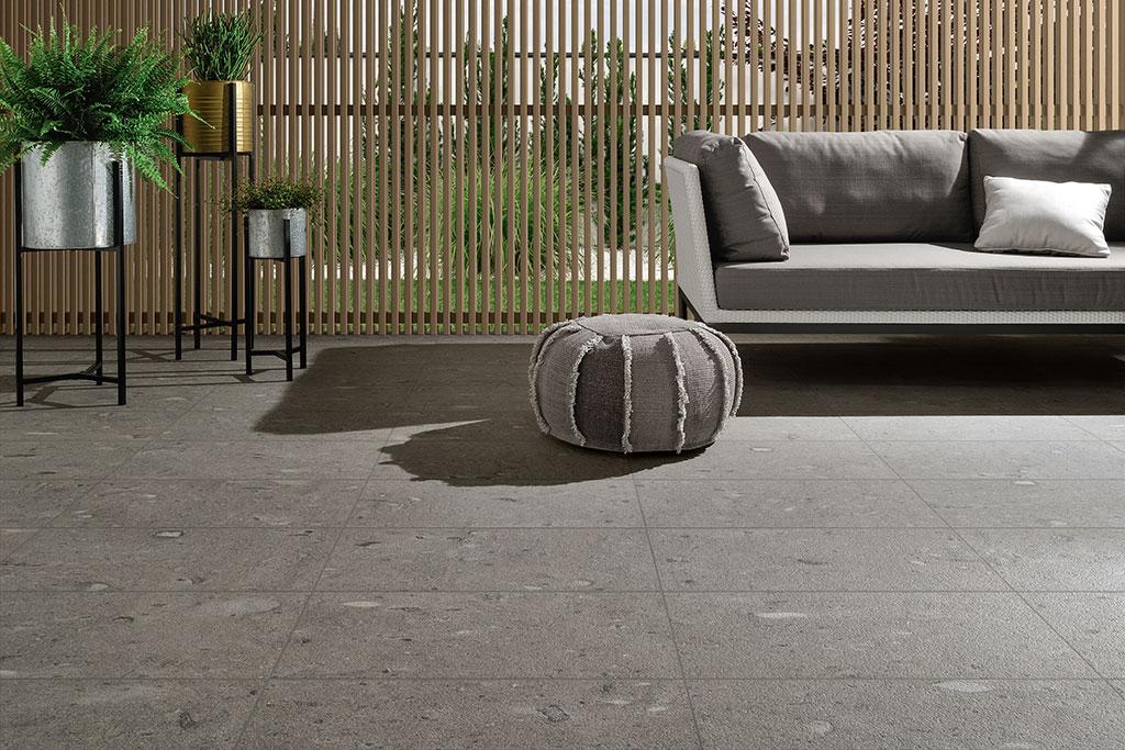 pavimenti-per-esterni_Ceramiche-Coem_Moon_Stone_Dark-Grey-30x60