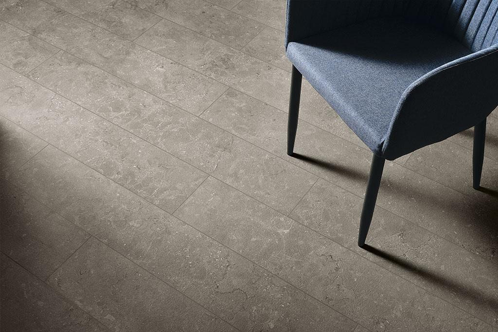 piastrele-effetto-pietra_Ceramiche-Coem_Lagos_Light-Grey-20x120