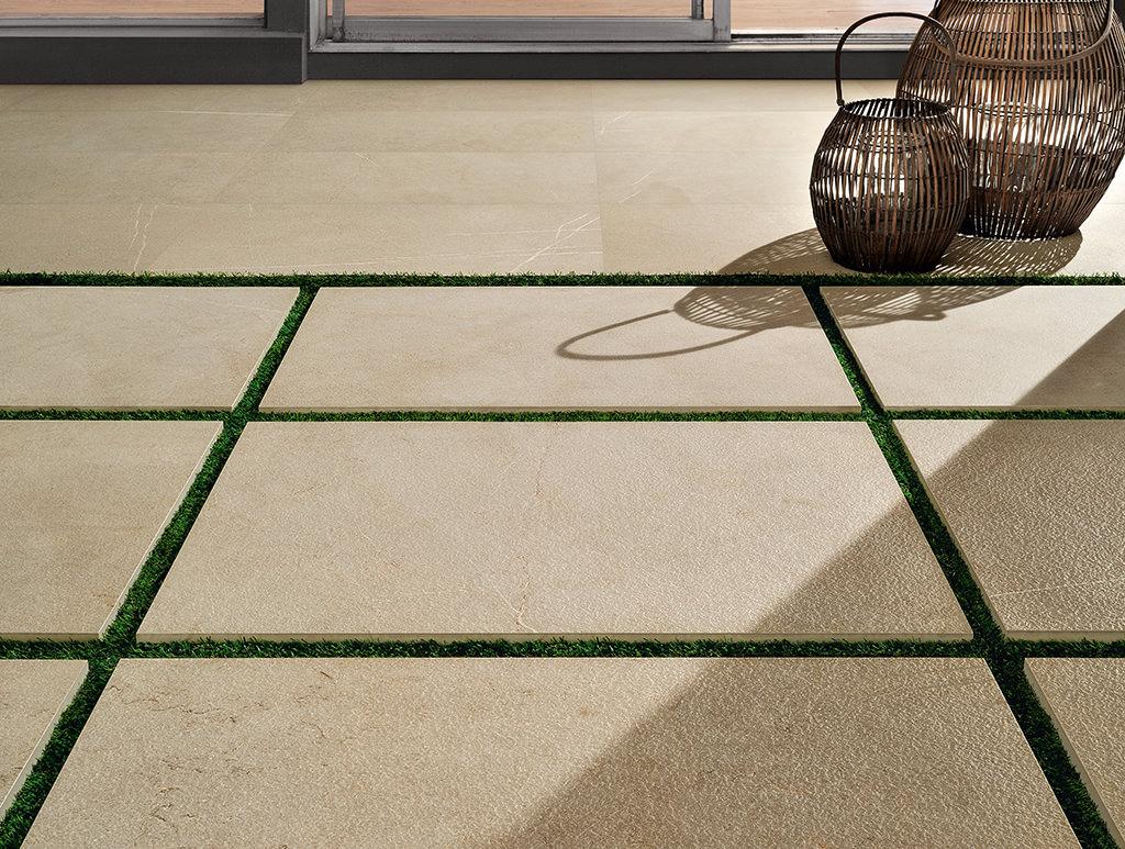 pavimenti-per-outdoor_Ceramiche-Coem_I-Sassi_Beige-604x906-20-mm-Esterno-Rettificato-gresX2