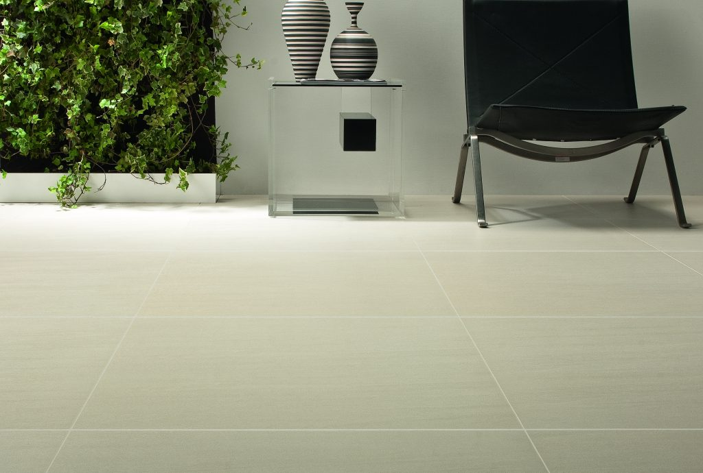 sandy-white-8294